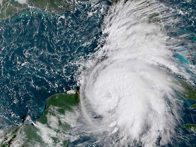Tormenta 'Michael' se convierte en huracán; Florida decreta emergencia