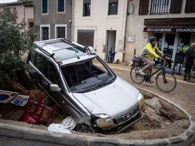 Las inundaciones ahora golpean a Francia: dejaron 11 muertos en el sur