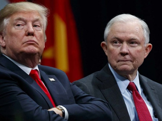 Trump anuncia la 'renuncia' del fiscal general Jeff Sessions