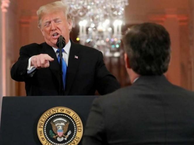 Casa Blanca retira credencial a periodista de CNN tras altercado con Trump