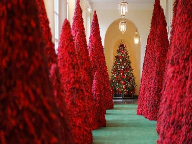 Usuarios se burlan de la decoración navideña de Melania Trump