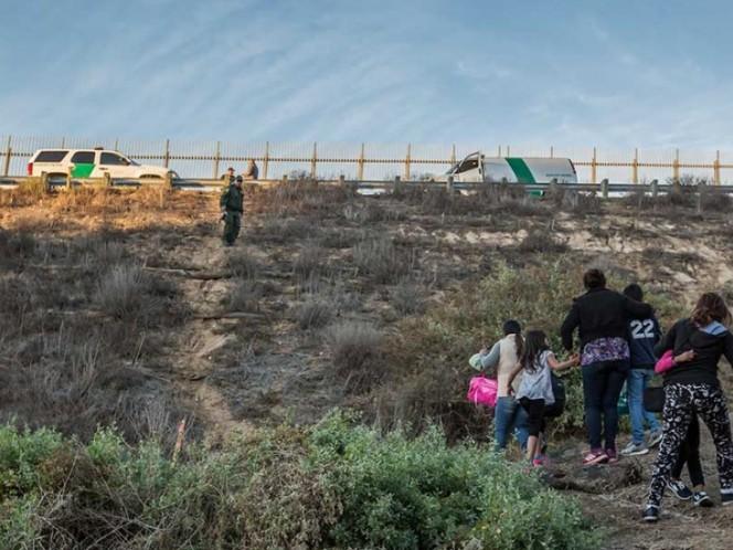 Continúan en Tijuana más de cinco mil migrantes