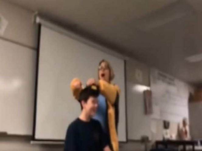 Profesora corta el cabello a estudiante y va a prisión — California
