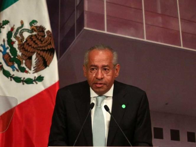 Carlos Salinas sale 'embarrado' en el juicio de 'El Chapo'