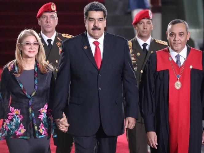 '¡Qué viva México!' dice Nicolás Maduro en toma de protesta