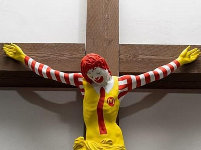 Payaso de McDonald's crucificado desata polémica en Israel