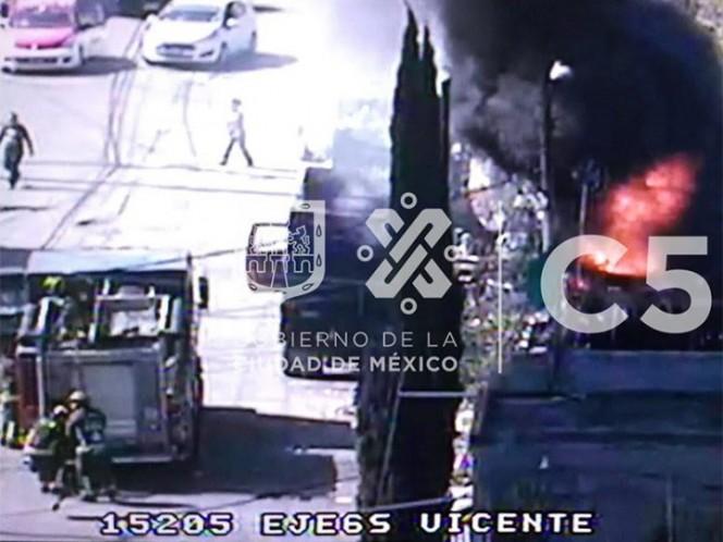 Bomberos sofocan dos incendios este domingo en CDMX