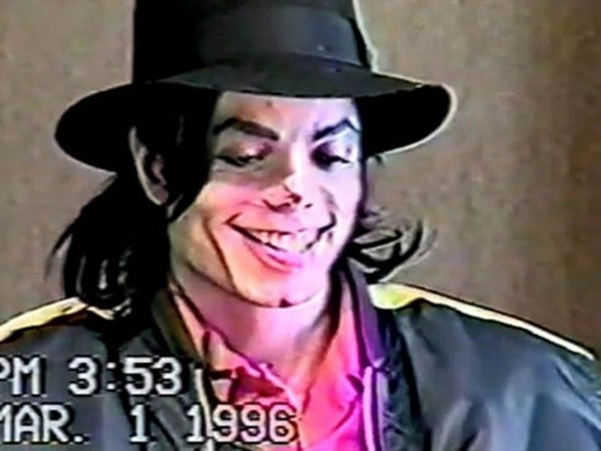 Difunden video de interrogatorio a Michael Jackson