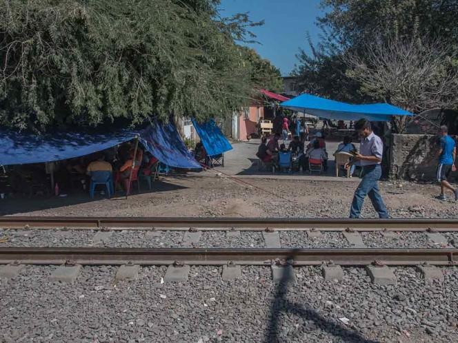 FGR cita a 15 líderes de la CNTE por bloqueos a vías férreas