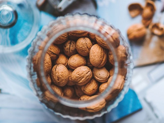 Los expertos observaron que los participantes que consumían nueces tenían niveles de depresión un 26 por ciento más bajos que los que no las consumían. – Foto: Pixabay