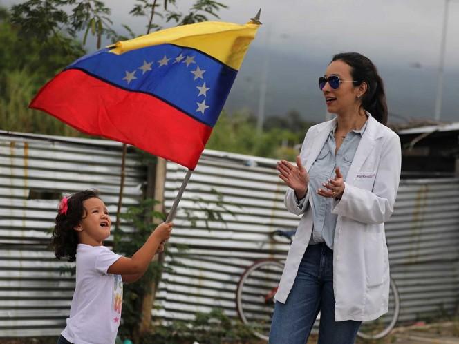 Jefes militares de Colombia y EEUU presionan a militares de Venezuela