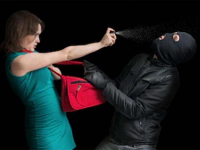 Para que las mujeres que habitan y transitan en la Ciudad de México puedan portar y en su caso, utilizar gas pimienta e inmovilizadores eléctricos para defenderse ante el incremento de violencia en su contra,