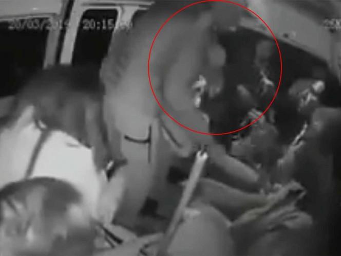 'Cámara mi gente, ya se la saben', así asaltan otra combi en Zumpango