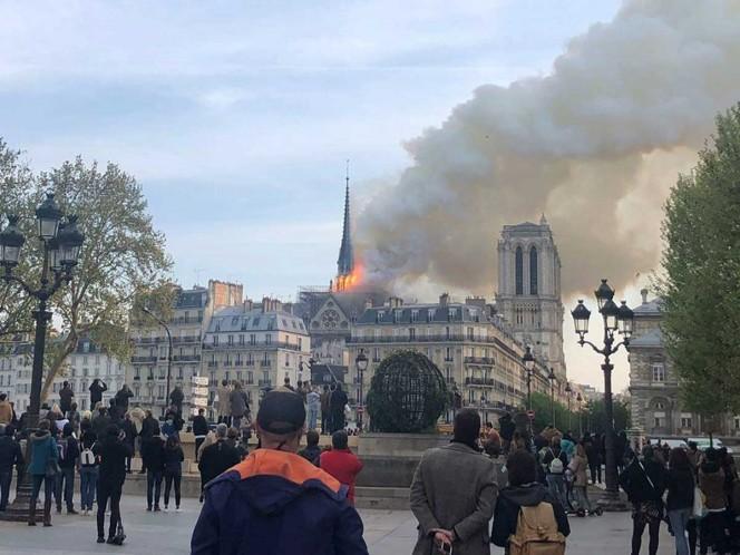 Macron fija en cinco años plazo para reconstruir Notre Dame
