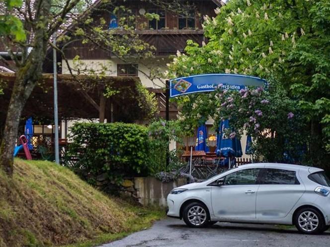 3 personas asesinadas a flechazos en hotel de lujo — Alemania