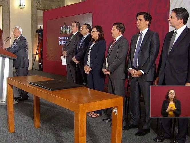 Ebrard detalla alcances del refinanciamiento a Pemex
