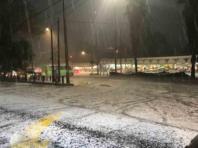 Granizo y fuerte lluvia sorprenden a CDMX este miércoles