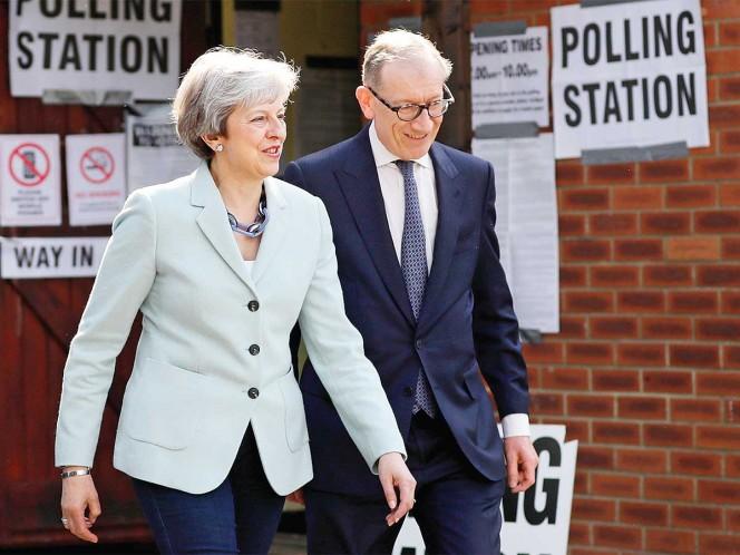 Primera ministra británica anuncia dimisión para el 7 de junio