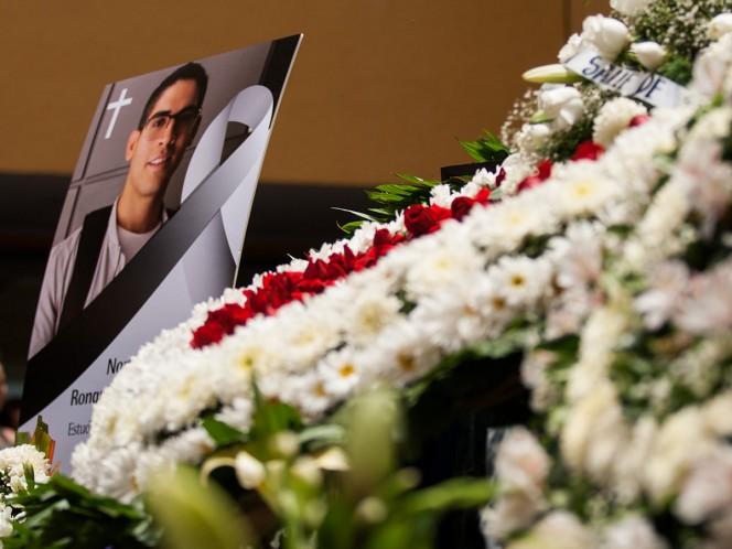 Los estudios que realiza el Instituto de Ciencias Forenses de la Ciudad de México señalan como asfixia por estrangulamiento las causas del deceso de Norberto Ronquillo Hernández.