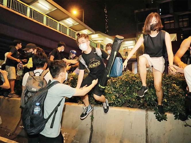 Mantienen ley pese a protestas en Hong Kong