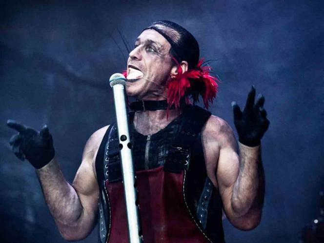 Líder de Rammstein acusado de atacar a un hombre en un bar