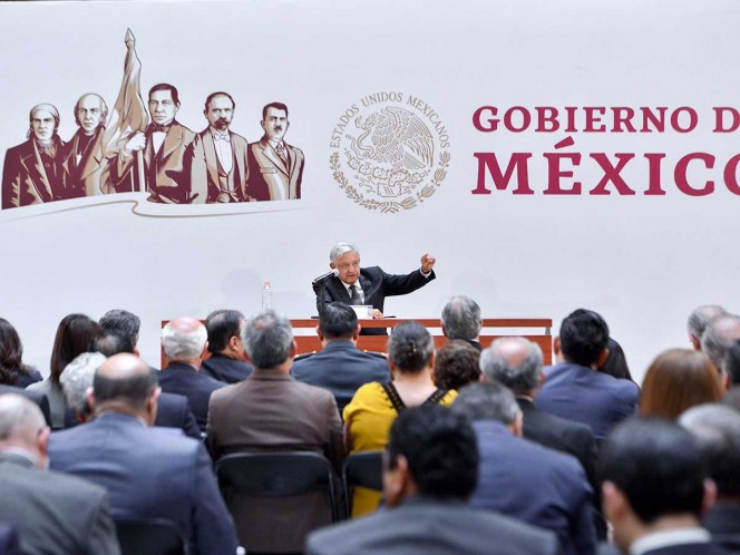 Sostiene López Obrador encuentro con su gabinete