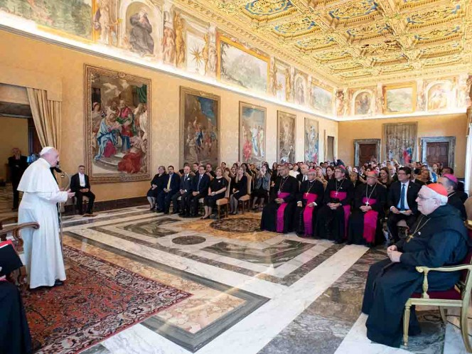 Vaticano debatirá otorgar ministerio a las mujeres en la Amazonia