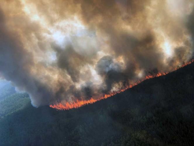 Ola de calor agobia a Alaska, con incendios, humaredas y derretimientos