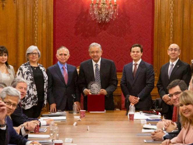 AMLO cierra filas con empresarios de Nuevo León