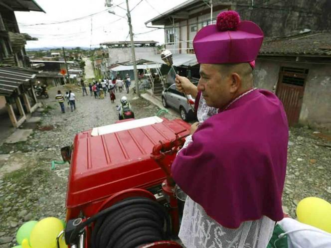 Obispo exorcizará ciudad desde un helicóptero [Internacional]