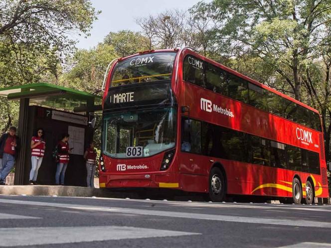 El problema financiero tiene origen en que el Metrobús cobra la tarifa más baja de todo el país. Foto: Cuartoscuro