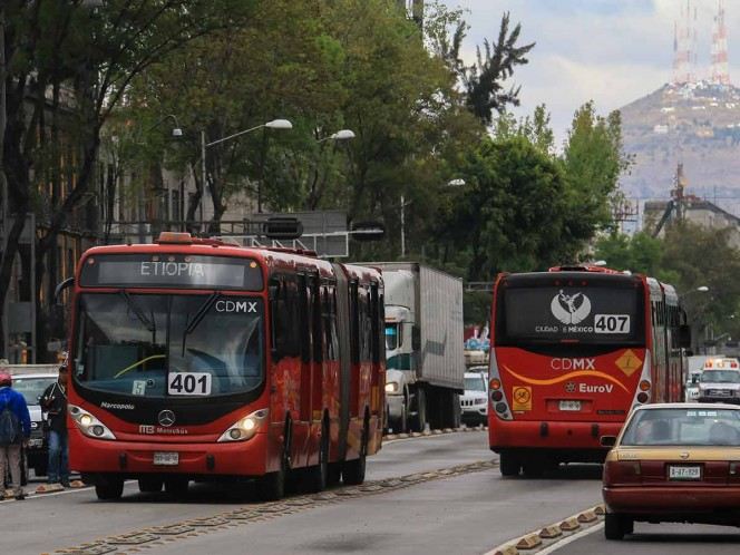 Estrena L1 del Metrobús 10 autobuses biarticulados