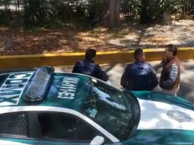 Indagan a polis que recibieron 'mordida' y hasta se persignaron