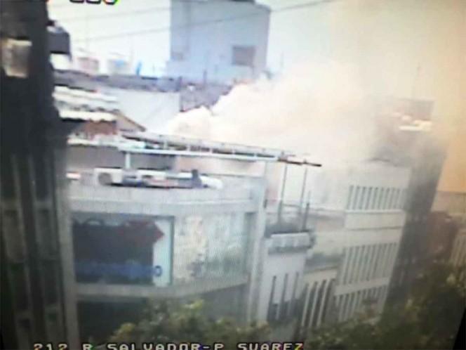 Se registra incendio en edificio del Centro Histórico