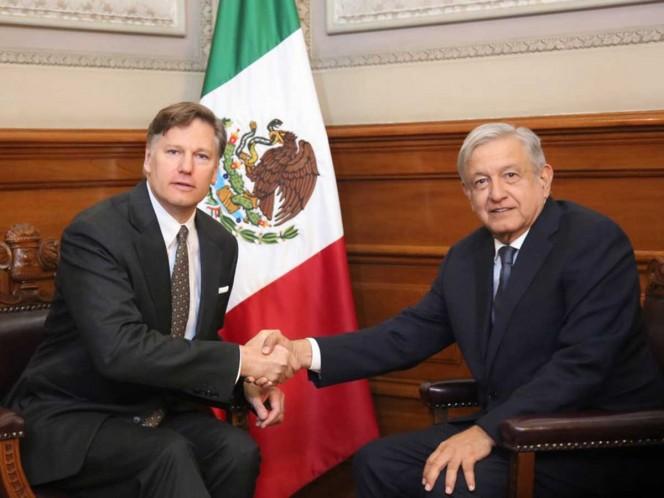 AMLO se reúne en privado con embajador de EU en México