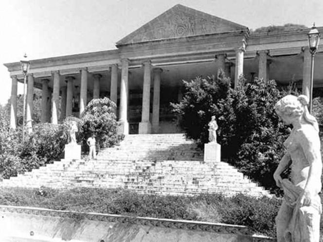 Familia de 'El Negro' Durazo pierde El Partenón