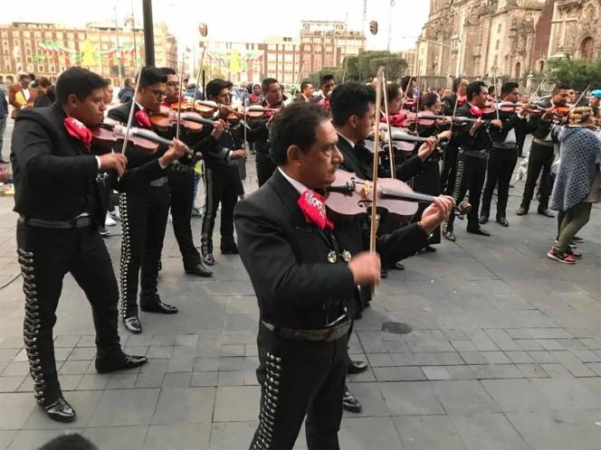 â??Ay, ay, ay, ayâ?¦ Canta y no lloresâ??, protestan mariachis