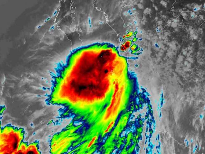BCS en Alerta Roja por huracán 'Lorena'