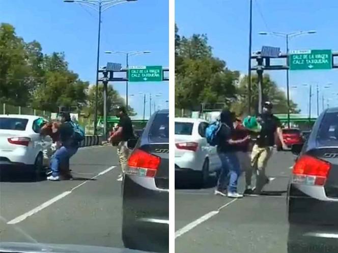 Microbuseros arrollan y golpean a ciclista en Coapa