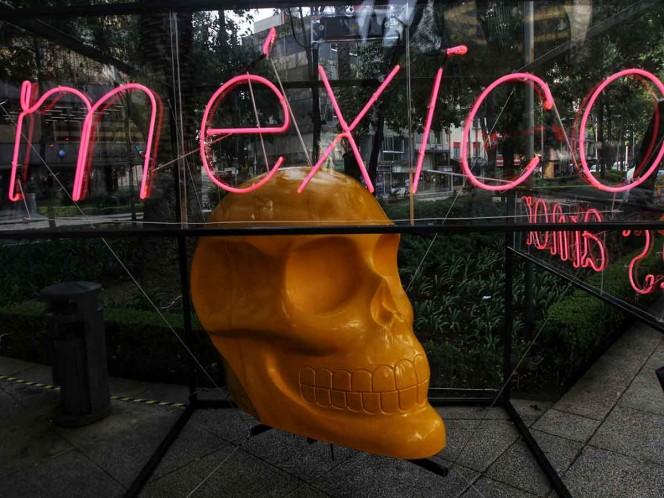 Coloridos cráneos monumentales invaden Paseo de la Reforma