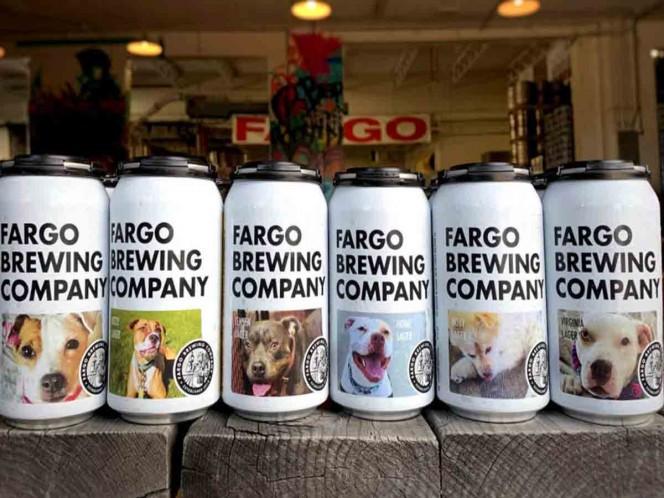 Empresa de cervezas pone a perritos sin casa en sus latas