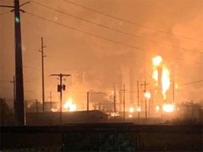 Gigantesca explosión en una planta química de Texas: evacuan alrededores