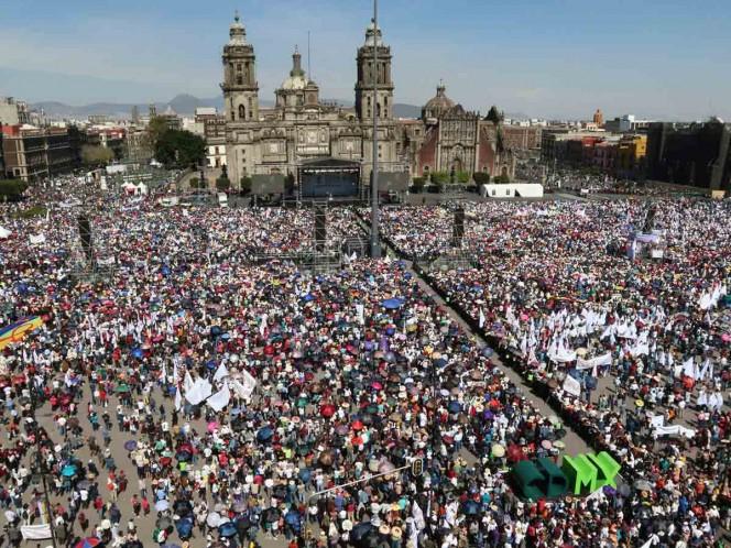 Acuden 250 mil personas a primer informe de López Obrador en Zócalo
