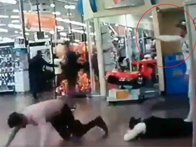 Captan asalto en Walmart de Ciudad Satélite; se llevan celulares