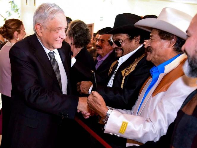 López Obrador apoyará a compositores en defensa de sus derechos