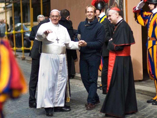 El sacerdote uruguayo Gonzalo Aemilius es nuevo secretario particular del Papa