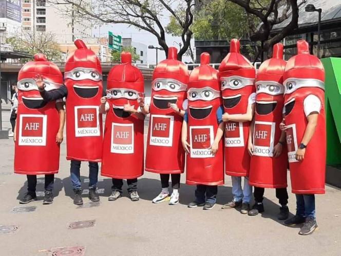 Regalan 100 mil condones en estaciones del Metro