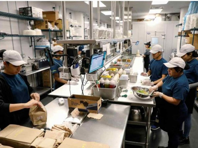El boom de las dark kitchens, tuvo su origen a partir de la creación de aplicaciones como Glovo o Rappi, y aunque son Inglaterra, Estados Unidos, Singapur y España los países que dominan esta nueva industria