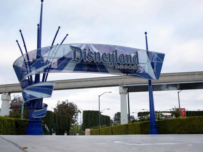 Empleados de Disney entran en licencia no remunerada por COVID-19