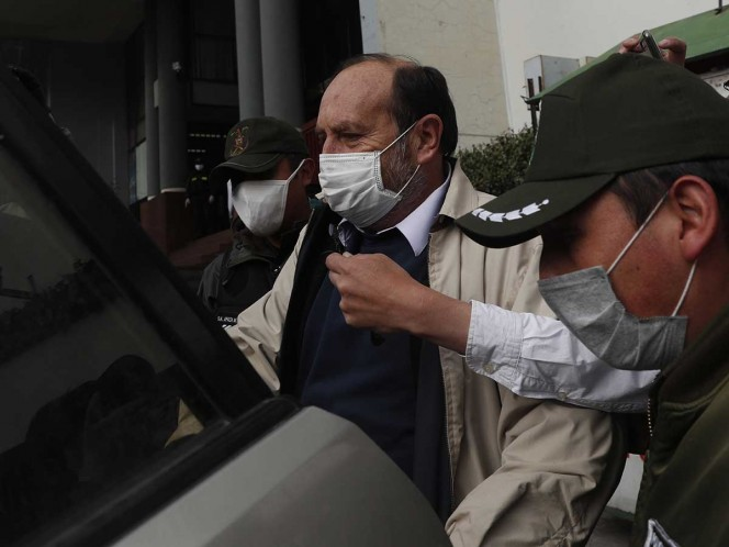 Exministro de Salud a prisión en Bolivia por compra irregular de respiradores